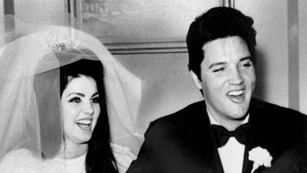 Elvis und Priscilla Presley bei ihrer Hochzeit 1967