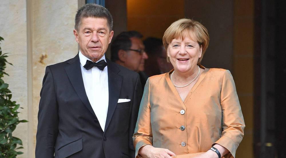 Angela Merkel kam dieses Jahr in Bronze nach Bayreuth