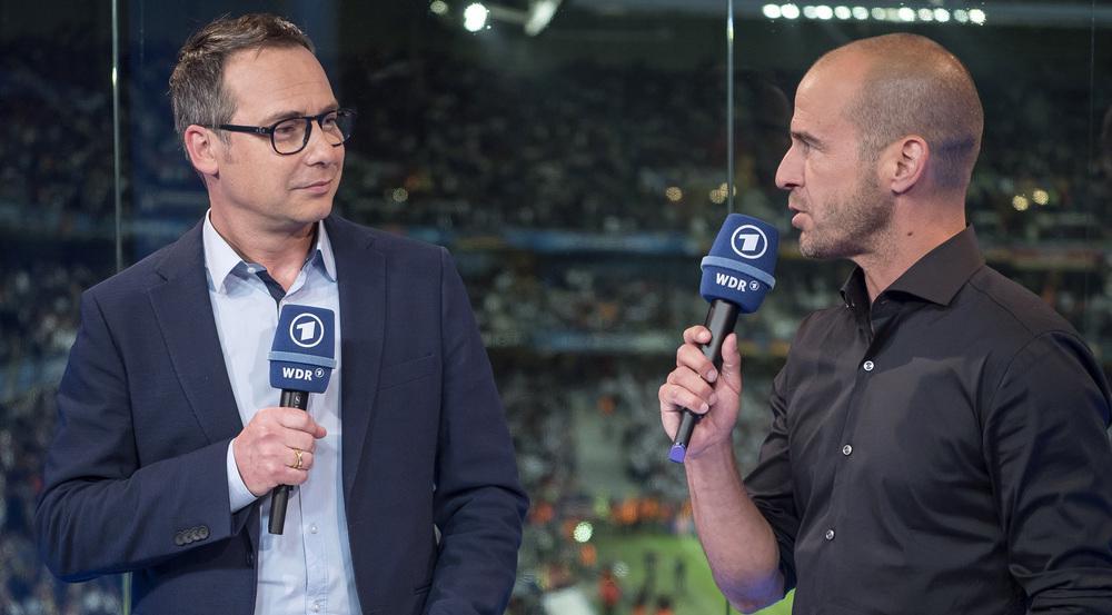Gemeinsam sorgten Matthias Opdenhövel (l.) und Mehmet Scholl sechs Jahre lang bei der ARD für das Rahmenprogramm zu Fußballübertragungen