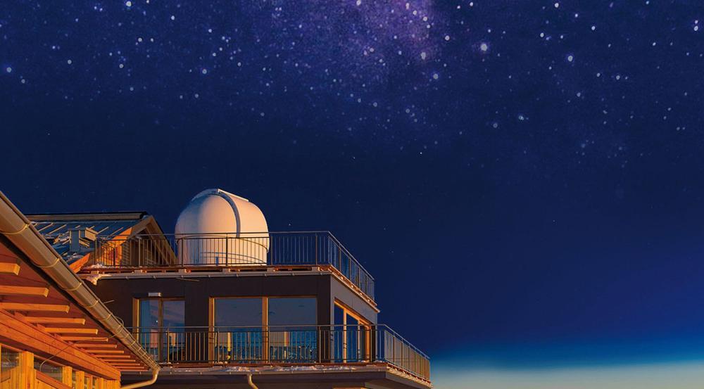Die Sternwarte auf dem Dach das Alpinhotel Pacheiner in Kärnten