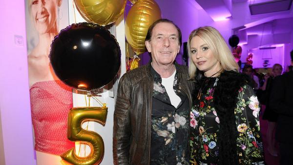 Stefan Zauner mit seiner Frau Petra auf der Jubiläumsfeier von spot on news