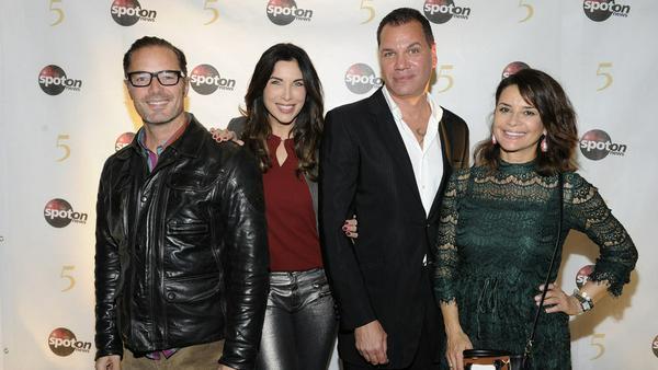 John Friedmann, Alexandra Polzin, Dave Kaufmann und Gitta Saxx (v.l.n.r.) auf der Champagner Party von spot on news