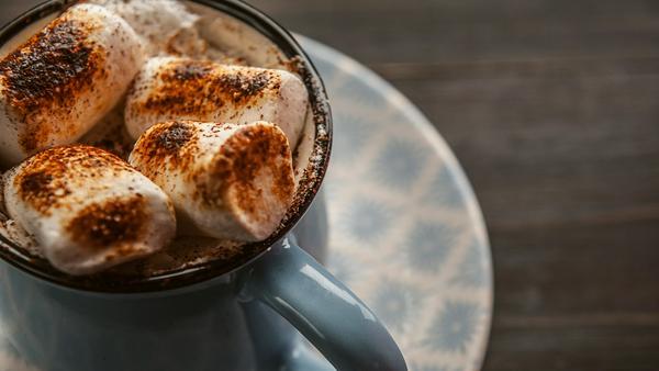 Perfekt für alle Süßmäuler: Heiße Schokolade mit Marshmallows