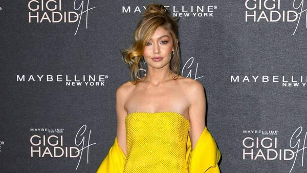 Model Gigi Hadid strahlt in Gelb