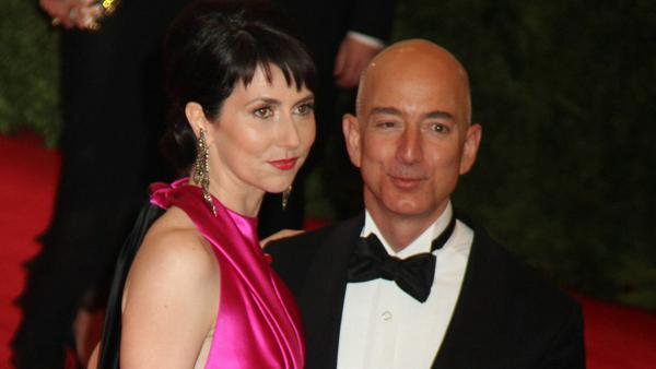 An Geld dürfte es Amazon-Chef Jeff Bezos jedenfalls nicht mangeln - er gehört zu den reichsten Menschen der Welt