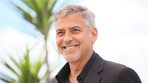 Bei George Clooney spendet man doch gerne ein bisschen Geld