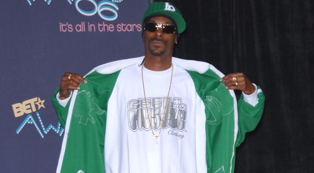 Snoop Doggs Fashion-Kollektion soll an den Stil angelehnt sein, den er am Anfang seiner Karriere trug - hier ein Bild von 2006