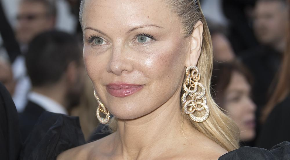 Pamela Anderson besuchte die Filmfestspiele in Cannes in diesem Look
