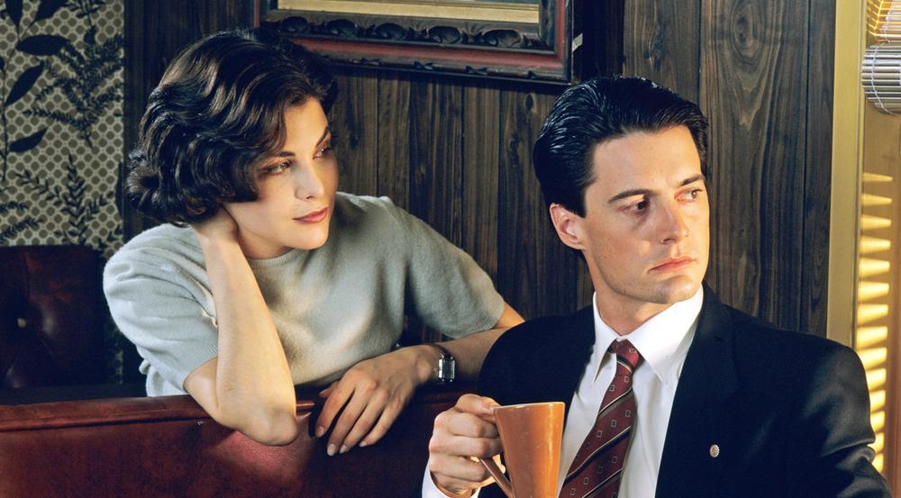 Sherilyn Fenn als Audrey Horne und Kyle MacLachlan als Agent Dale Cooper in
