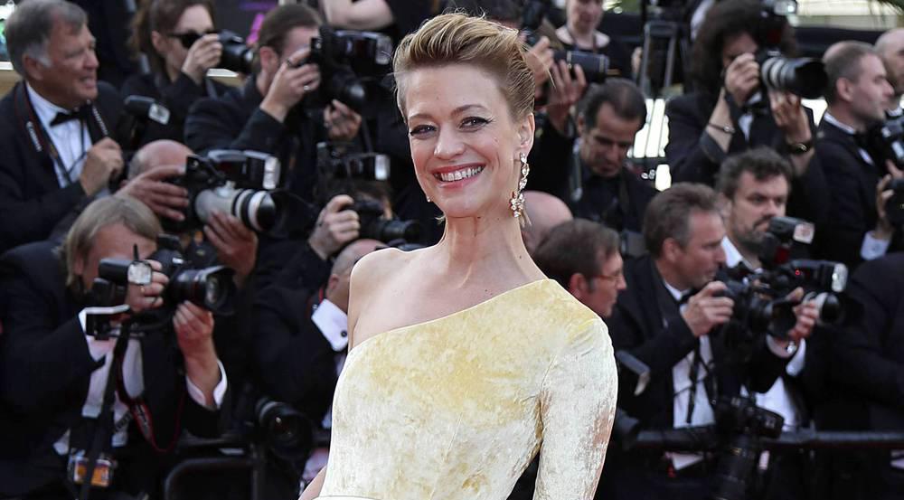 Heike Makatsch strahlt bei der Cannes-Premiere der Hollywood-Komödie