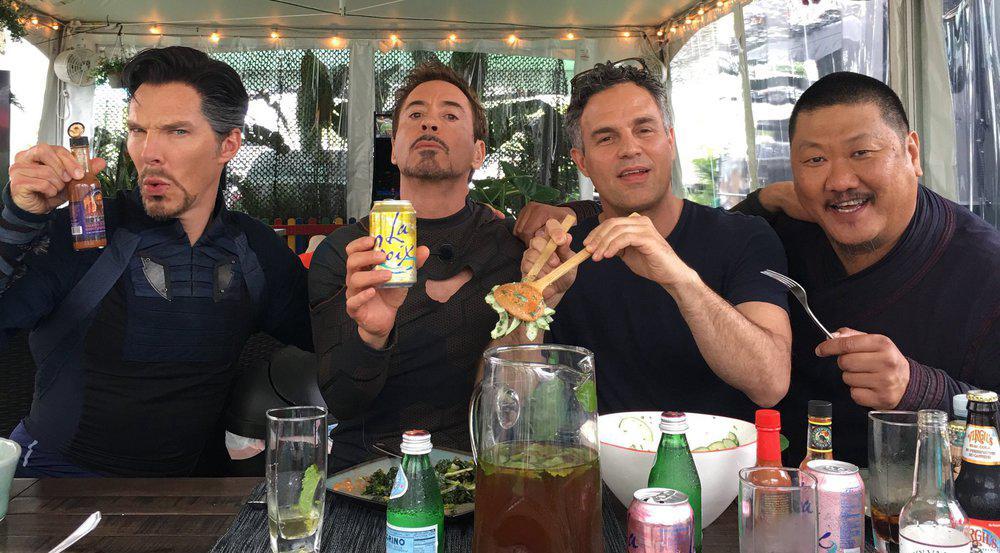 Robert Downey Jr. meldet sich mit diesem Schnappschuss vom Set von