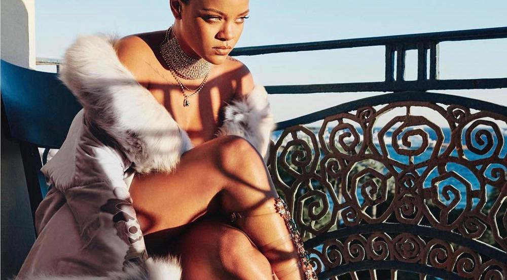 Rihanna präsentiert ihre neuen Entwürfe für Manolo Blahnik auf Instagram