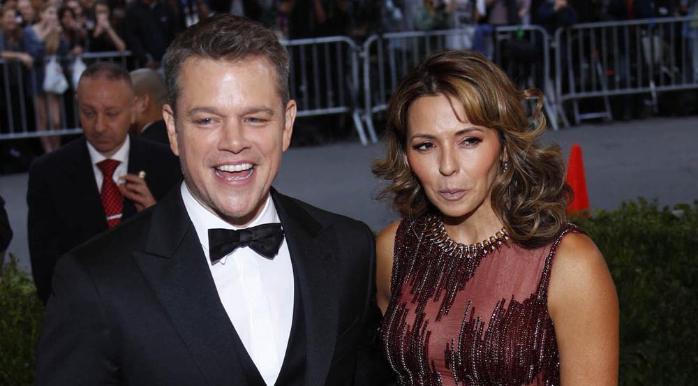 So happy together: Matt Damon und Luciana Barroso waren auch bei der Met Gala für ein Späßlein zu haben