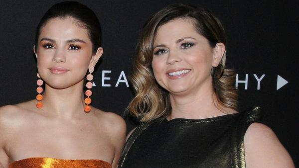 """Selena Gomez und ihre Mutter Mandy Teefey auf der Premiere von """"Tote Mädchen lügen nicht"""""""
