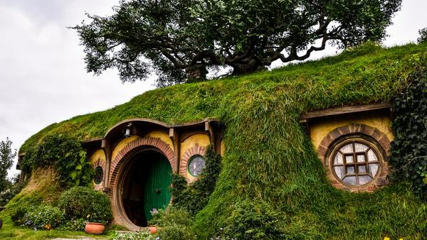 """In dieser Höhle auf Neuseeland ist """"der kleine Hobbit"""" Bilbo Beutlin zu Hause."""
