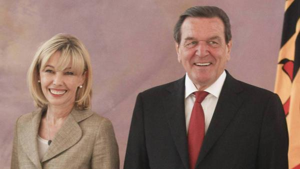 Ein Bild aus glücklichen Tagen: Doris Schröder-Köpf und Gerhard Schröder im Jahr 2014