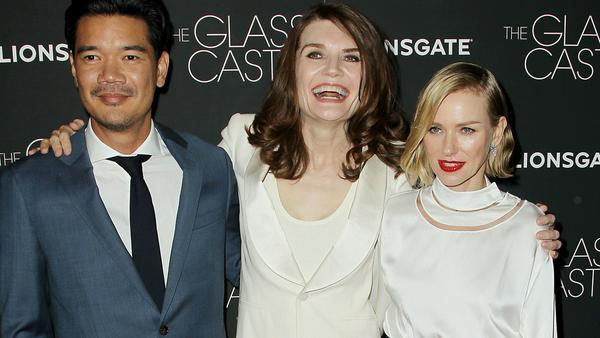 """""""Schloss aus Glas"""": Destin Daniel Cretton (Regie, Drehbuch), Jeannette Walls und Naomi Watts bei der Vorpremiere in New York"""
