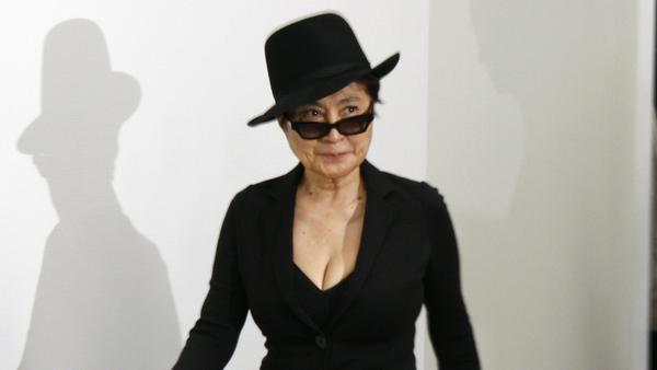Versteht keinen Spaß bei Markenrechten: Yoko Ono