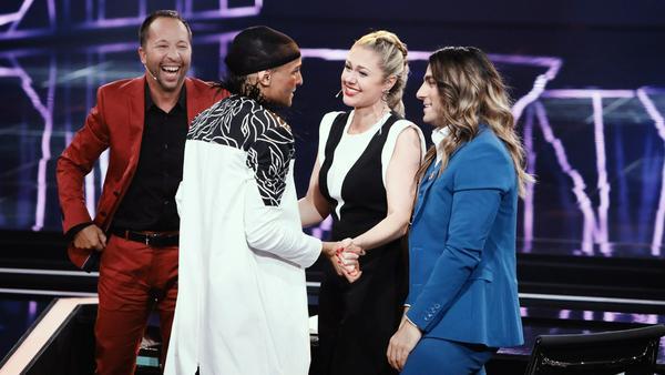 Die Jury stürmte danach die Bühne: Prince Damien begeisterte mit seinem Lady-Gaga-Dance alle