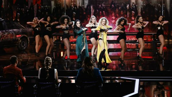 """Sandy Mölling (r.) und Bahar Kizil tanzen zu """"Run The World"""" von Beyonce"""