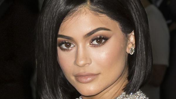 Wilde Theorie: Trägt Kylie Jenner das Kind ihrer Halbschwester Kim Kardashian aus?