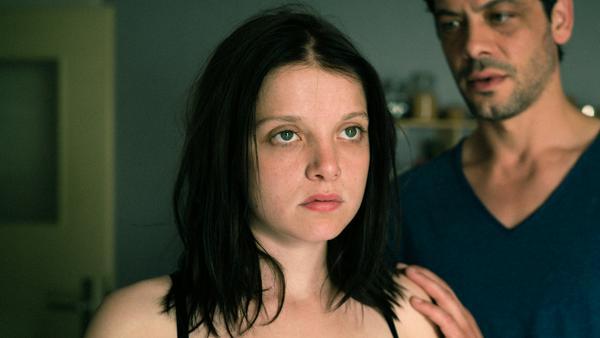 Solche Rollen stehen ihr besser: Jella Haase als traumatisierte Antonia
