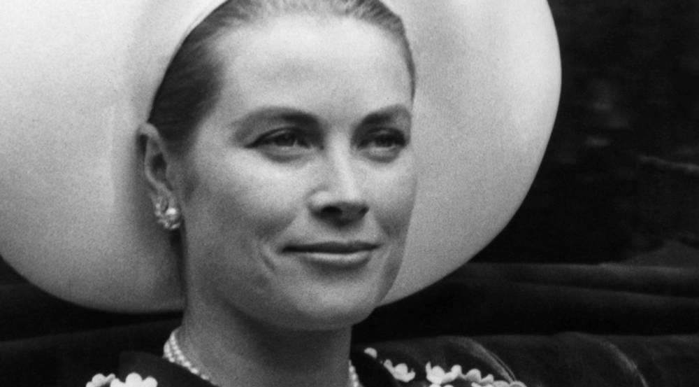 Grace Kelly, die spätere Fürstin von Monaco, galt zu Lebzeiten als große Mode-Ikone