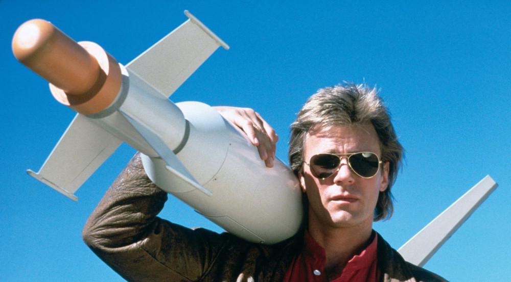 Richard Dean Anderson in seiner Kultrolle als MacGyver