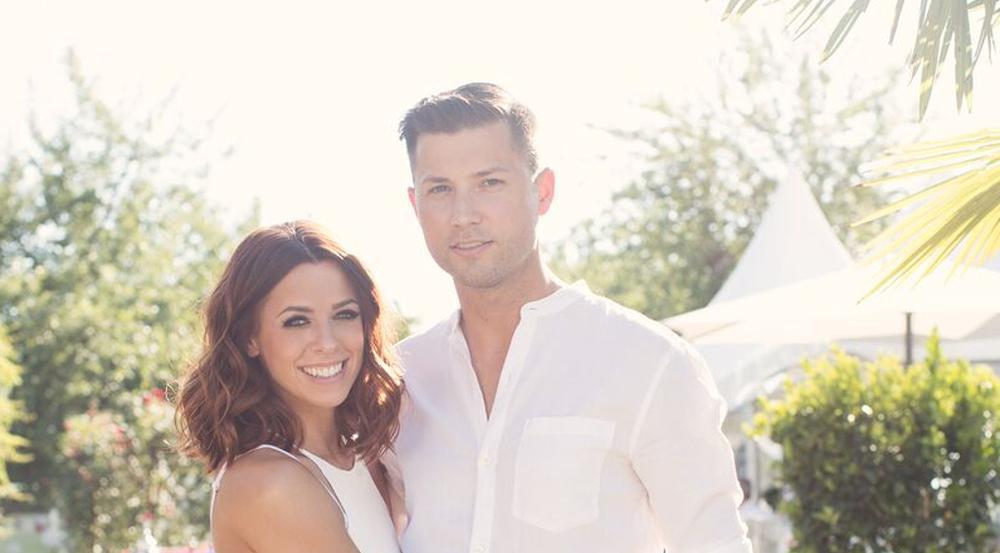 Vanessa Mai und ihr Mann Andreas Ferber feierten eine sommerliche Gartenparty