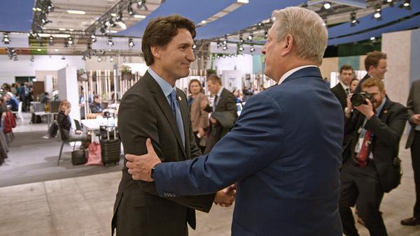 Al Gore (r.) trifft Kanadas Premierminister Justin Trudeau