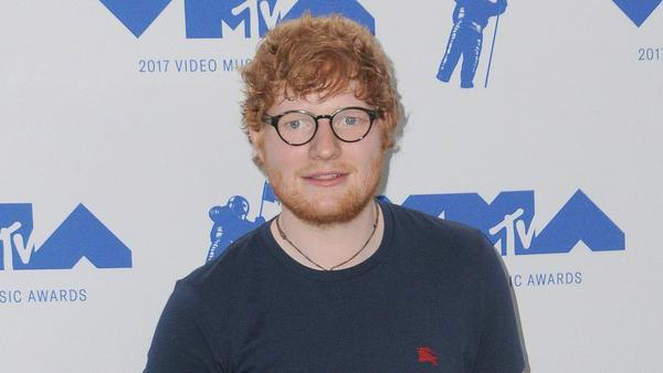 Auch bei Ed Sheeran bricht das Kind im Manne immer wieder durch