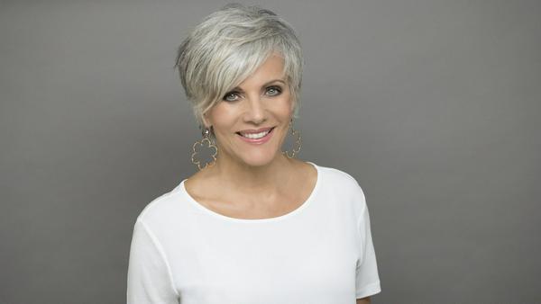 Macht selbst mit grauen Haaren eine extrem gute Figur: Birgit Schrowange