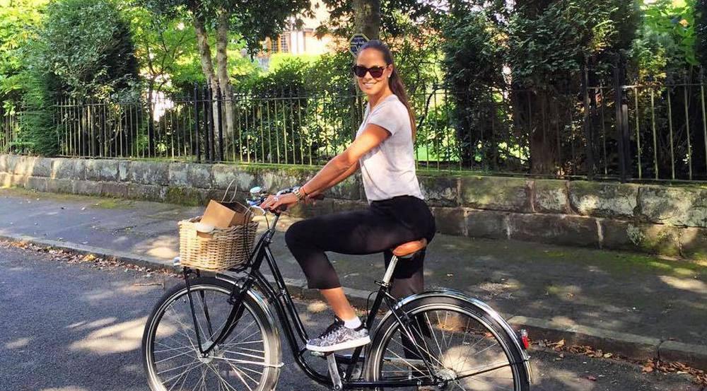 Ex-Tennisstar Ana Ivanovic ist natürlich auch im Alltag sportlich unterwegs