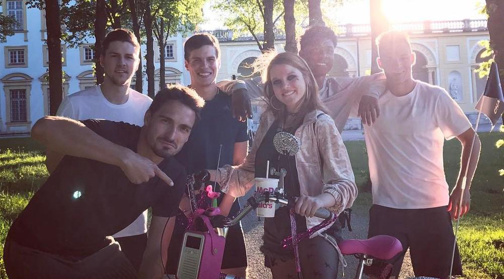 Die Bayern-Stars versuchen sich als Schauspieler bei