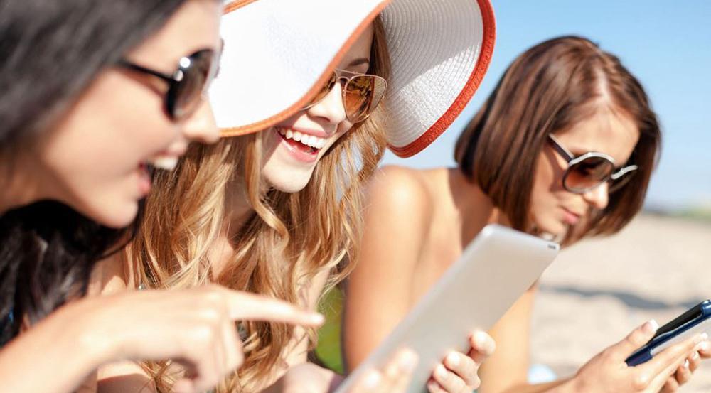 Deutsche Urlauber wollen auch im Urlaub nicht auf ihr Mobilgerät verzichten