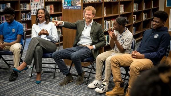 Michelle Obama und Prinz Harry hatten im Gespräch mit den Schülern sichtlich ihren Spaß