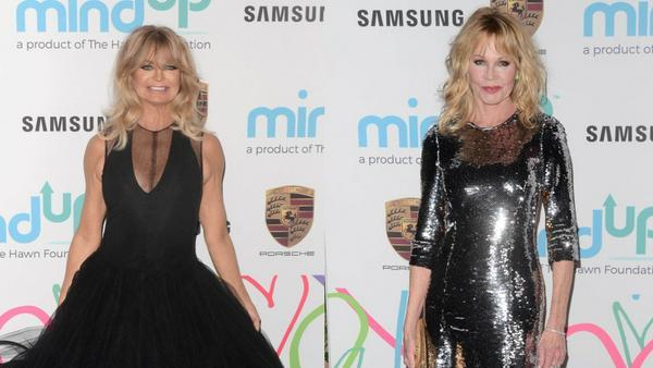 Kaum zu glauben: Goldie Hawn (l.) feiert bald ihren 72. Geburtstag und auch Melanie Griffith sieht mit ihren 60 Jahren bezaubernd aus