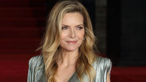 """Michelle Pfeiffer bei der Premiere von """"Mord im Orient Express"""""""