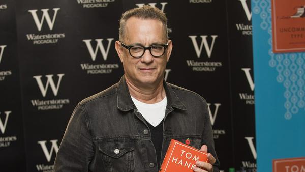 """Unter die Autoren gegangen: Tom Hanks' Buch heißt """"Uncommon Type"""""""