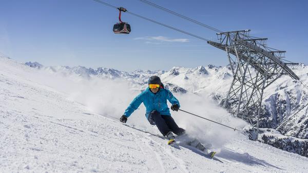 Grenzüberschreitender Skiverkehr in Ischgl