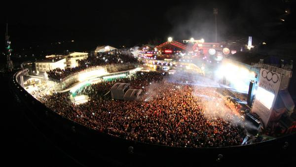 Star-DJ Martin Garrix steht im Planai-Stadion an den Turntables