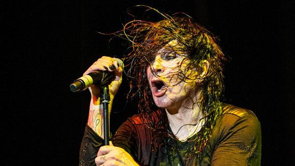 Immer noch mit Feuereifer dabei: Ozzy Osbourne bei einem Auftritt in Belgrad