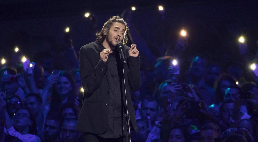 Der Portugiese Salvador Sobral triumphiert beim Eurovision Song Contest 2017