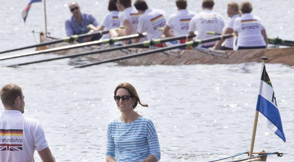 William und Kate vor dem Start des Rennens auf dem Neckar