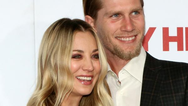 Kaley Cuoco und Karl Cook sind überglücklich - wird also bald geheiratet?