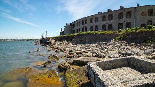 Stoisch und einschüchternd wacht die Seefestung über Tallinns Küste