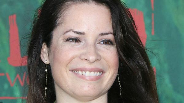 Holly Marie Combs muss bald nicht mehr allein auf dem roten Teppich auftauchen