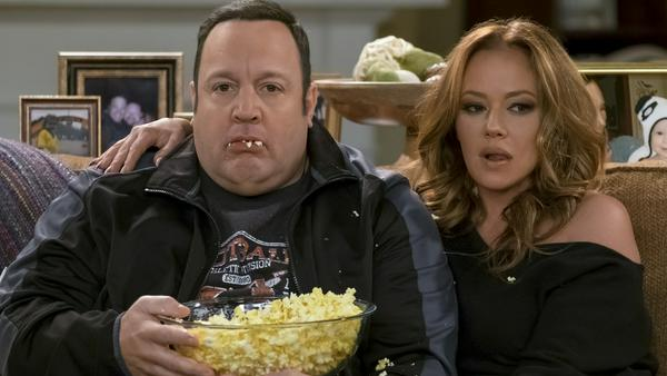 "Die ""King of Queens""-Stars Kevin James und Leah Remini sind in ""Kevin Can Wait"" wieder vereint"