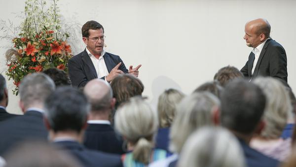 Karl-Theodor zu Guttenberg im Gespräch mit Horst von Buttlar: Wird es ein Comeback in der Politik geben?