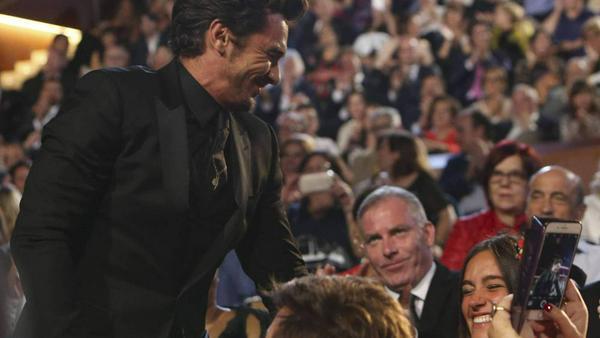 James Franco freut sich mit Isabel Pakzad